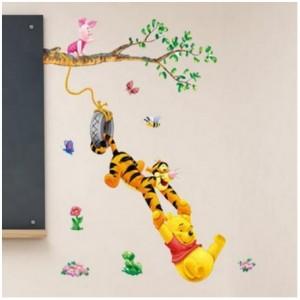 """Stenska nalepka """"Medvedek Pu in prijatelji na drevesu"""""""