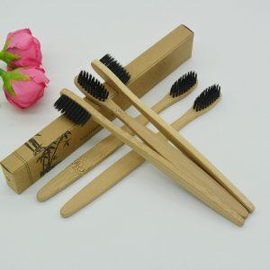 zobna krtačka lesena- bambus